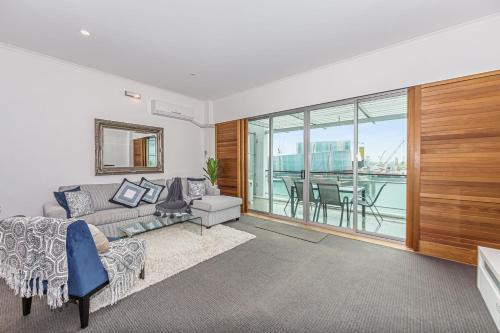 Princes Wharf - Absolute Waterfront & Great Views, Waitakere