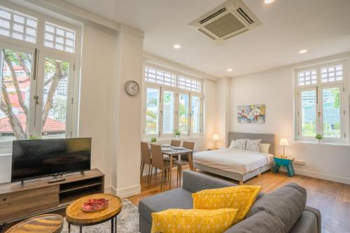 ClubHouse Residences Haywood Studio B (Staycation Approved), Outram