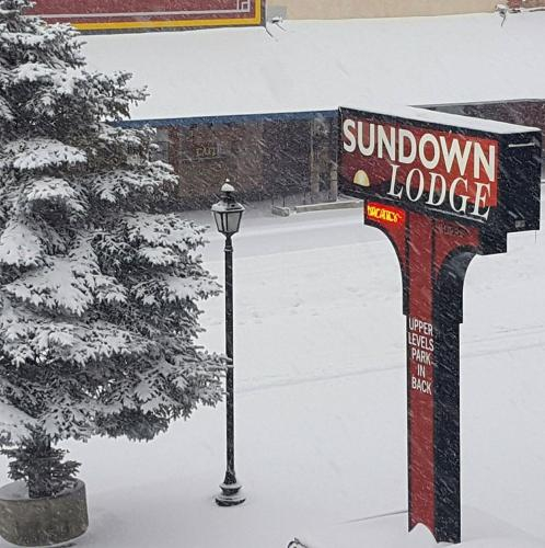 Sundown Lodge, Eureka