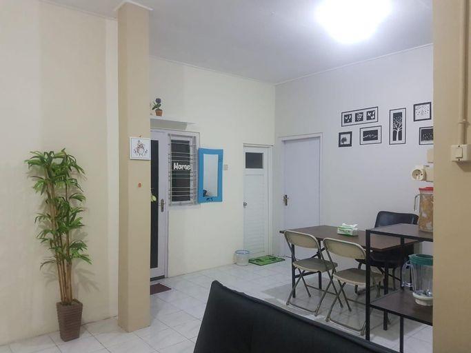 Adenium Pandega Martha Holiday Home, Yogyakarta