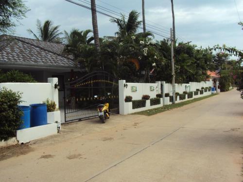 Leelawadee, K. Sam Roi Yot