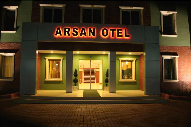 Arsan Otel, Merkez