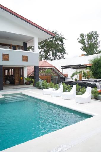 Exclusive Private Villa Mahogany - Tagaytay Resort, Mendez