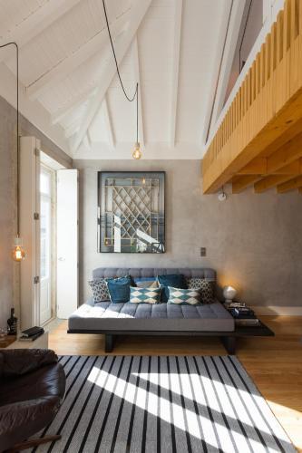 Gold & Grey Loft Almada, Porto
