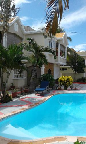 Apartment with 2 bedrooms in Trou aux Biches with shared pool enclosed garden and WiFi,