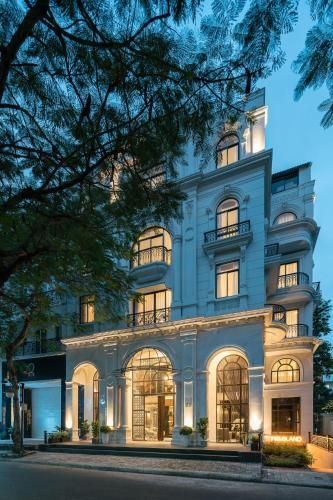 Charmaine's Hotel and Apartment, Quận 8