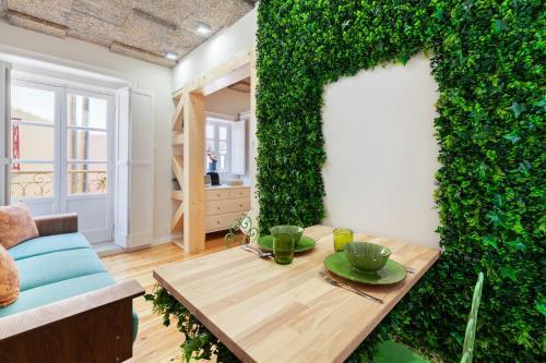 Amazing Studio with Terrace within St George Castle, Lisboa