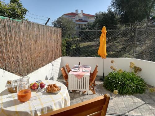Cosy apartment with terrace, Cascais
