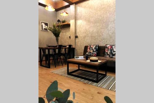 Room52Bangkok, Pathum Wan