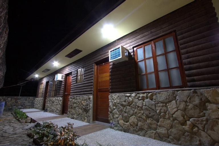 Century Gardens Hotel, Pasuquin