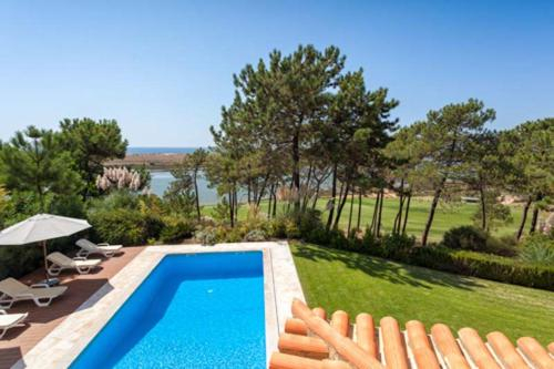 Quinta do Lago Villa Sleeps 12 Pool Air Con T610358, Loulé