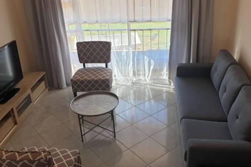 Morden 2 bed apartment 13 km from OR Tambo Ariport, Ekurhuleni