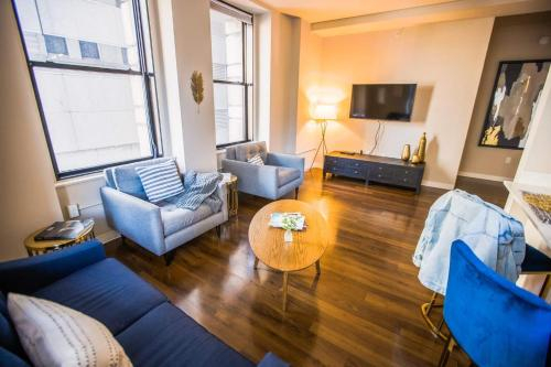 2BR/2BA Brand New Executive Luxury Suite w/ Gym by ENVITAE, Baltimore