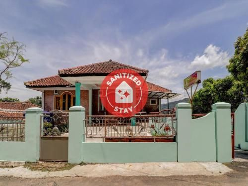 OYO 3879 Villa Sari Intan, Subang