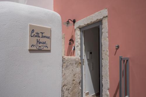 Castle Terrace Exclusive Apartment - Home By The Castle Apartment, Lisboa