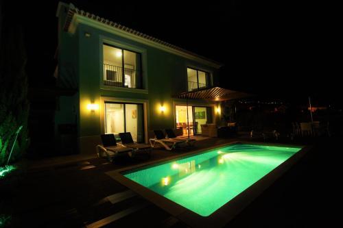 Green Eden Villa 5 Stars With Private Heated Pool, Calheta