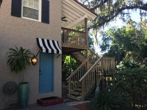 The Secret Garden of Downtown Orlando, Orange