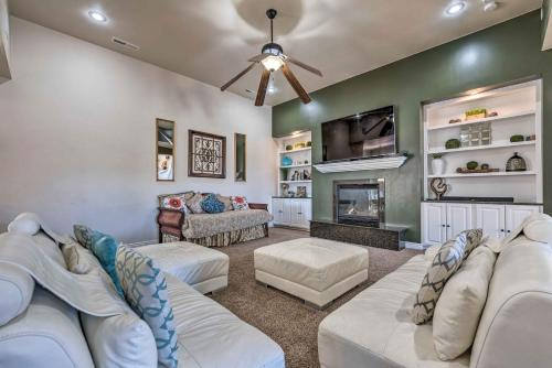 Luxe Home with Pool, Grill-25 Mins to St George, Washington