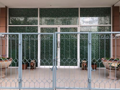 Bangkok Pattana school Sukhumvit BTS Bangna BITEC Four Sets Room Village, Muang Samut Prakan
