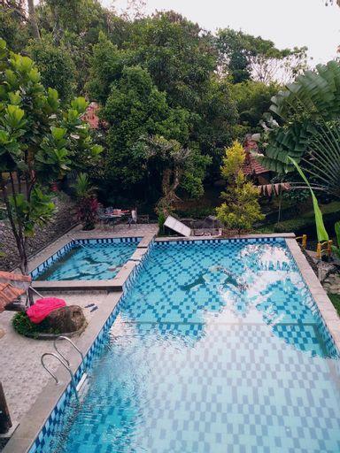 PRIVATE-VILLA POJOK SENTUL, Bogor