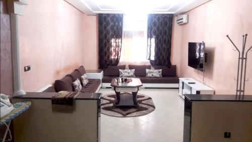 Apartment with 2 bedrooms in Oujda with wonderful city view furnished garden and WiFi 60 km from the, Oujda Angad