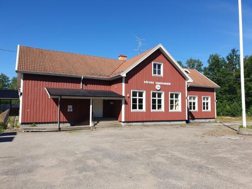 The Sleepy Moose, Laxå