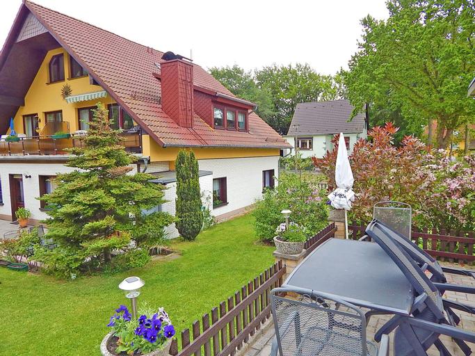 Ferienhus Baabe FeWo 01 Terrasse und Gartennutzung, in ruhiger Lage, Vorpommern-Rügen