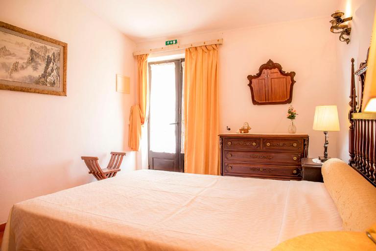 E- Countryside Guesthouse Bedroom 1, Lagos