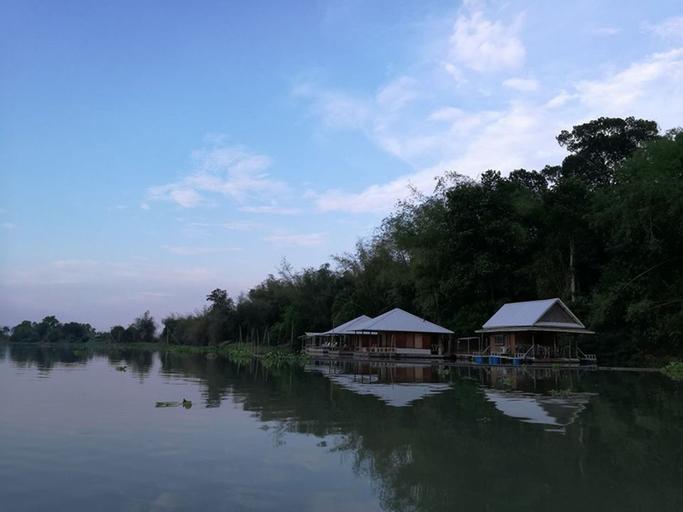River Marina Resort, Muang Uthai Thani