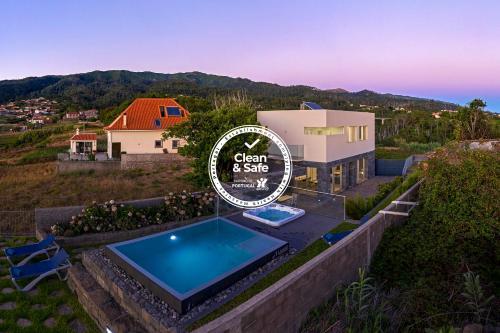 Casa da Maloeira by An Island Apart, Calheta