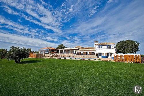 Boliqueime Villa Sleeps 14 Pool Air Con WiFi, Albufeira