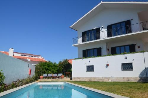 Stunning Views Pool Villa by Sao Pedro do Estoril Beach, Cascais