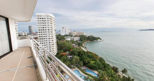 Spacious Room with Ocean & City View, Pattaya