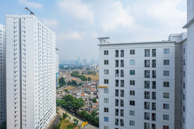 Spacious 2BR Apartment Connected to Bassura City Mall By Travelio, East Jakarta