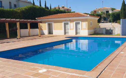 Apartamento piscina 5 minutos praia, Silves