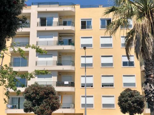 Destiny - Lisbon Caparica Beach Apartment, Almada