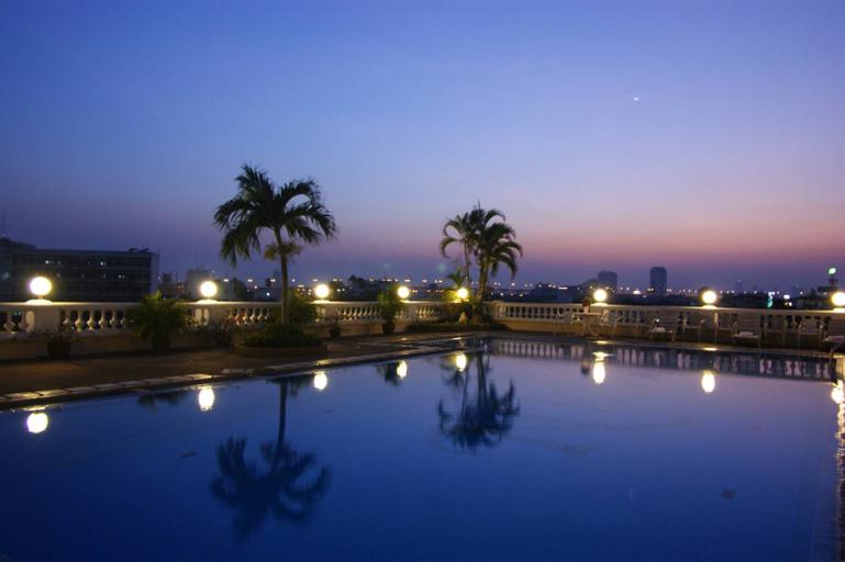 Niran Grand Hotel, Bang Na