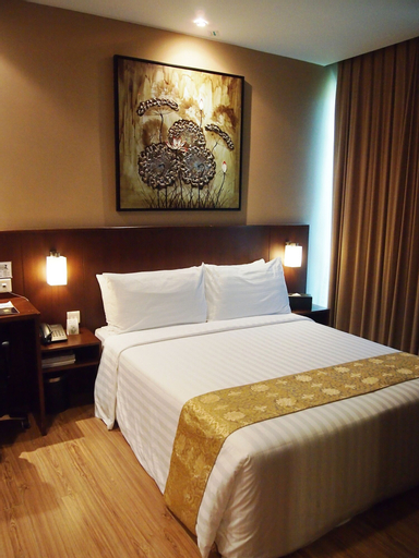 Roomz Hotel, Seria