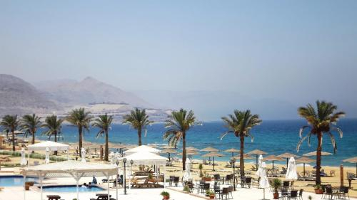 Dome Marina Hotel & Resort, 'Ataqah