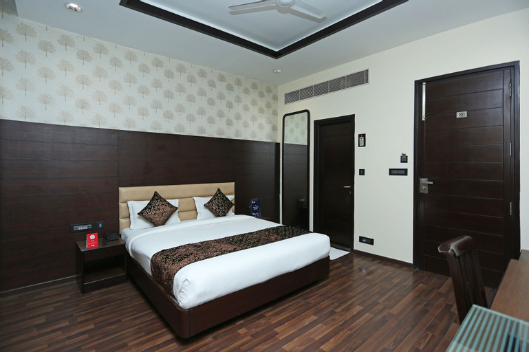 OYO 9178 Hotel New Central Park, Gautam Buddha Nagar
