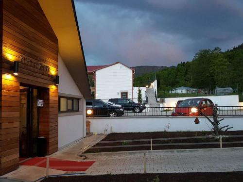 Koliva Otel, Merkez