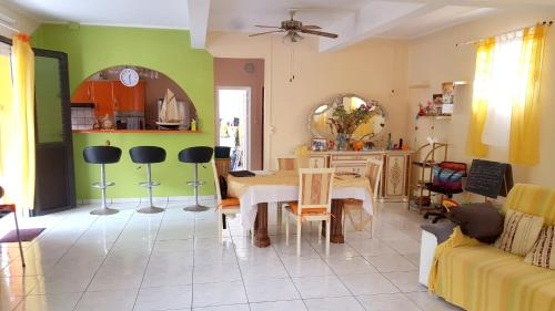 House with 4 bedrooms in Bellefontaine with wonderful mountain view enclosed garden and WiFi 7 km fr, Bellefontaine
