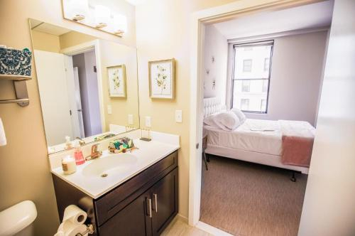 2BR/2BA Brand New Distinguished Luxury Suite w/ Gym by ENVITAE, Baltimore