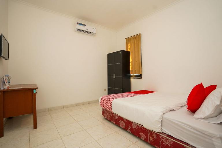 OYO 1281 Home Stay 83, Surabaya