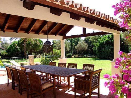 Quinta do Lago Villa Sleeps 10 Pool Air Con WiFi, Loulé