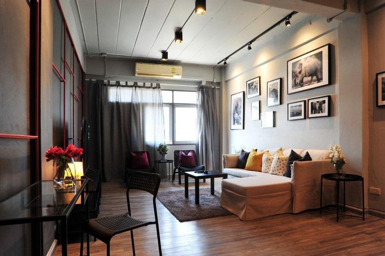 Erawan House 5 Bedrooms @BTS Pu Chao  l  230m, Muang Samut Prakan