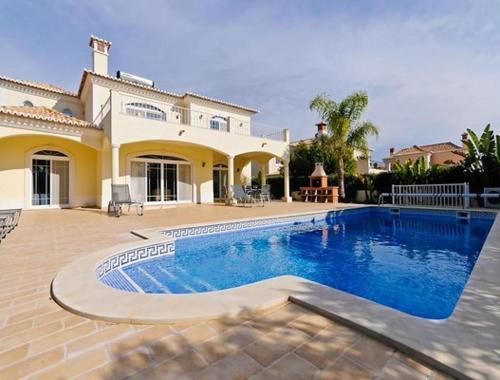 Vale do Garrao Villa Sleeps 12 Pool Air Con WiFi, Loulé