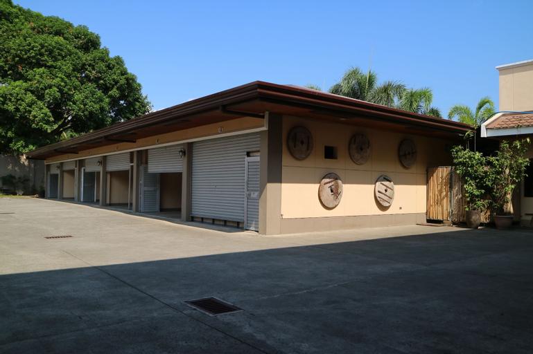 Casa Palmera Tourist Inn, San Pablo City
