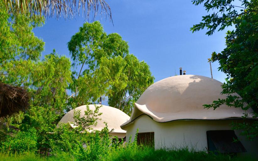 Footsteps Eco-Lodge, Kombo South