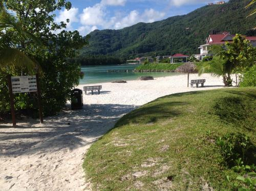 Eden Island luxury apartment sea view,